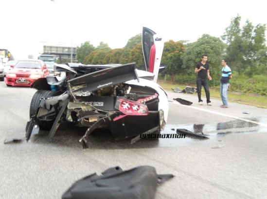 Panglima Perang Cyber Cyber Warlords Bukti Kereta Lamborghini Lebih Teruk Kemalangan