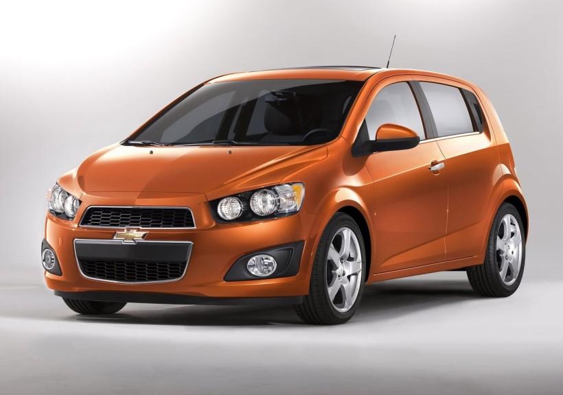 Chevrolet-Sonic_2012_01